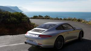 Porsche rendering with FluidRay
